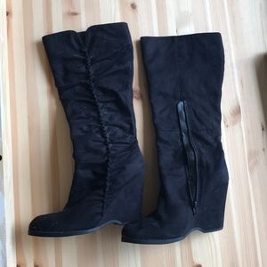 MIA black wedge boots